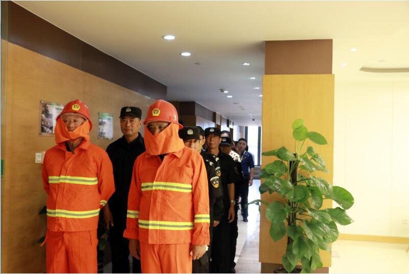 """防患于未""""燃""""——新利体育物流举行消防安全演练"""